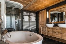 Jungfrau Suite Bath