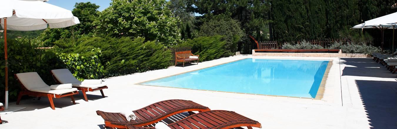 bastide-poolcrop