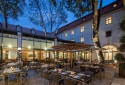 outdoor-dining-at-the-augustine