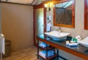 bath-of-tented-suite