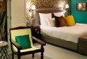 poolside-room